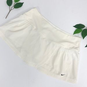 NIKE. Sri Fit Off white tennis skirt Medium